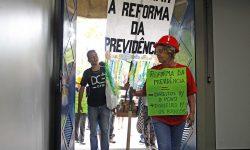 Comunidade universitária da UFMG realiza ato contra a reforma da Previdência no campus Pampulha 1