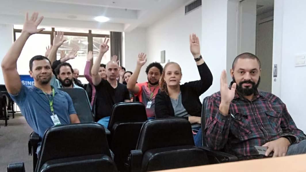 TAE do CEFET-MG, UFVJM e IFMG aprovam adesão a Greve Geral no dia 15 de maio 1