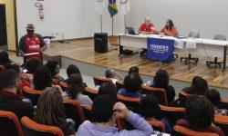 Categoria delibera participação na Greve Geral em Defesa da Educação no dia 13 de Agosto 3