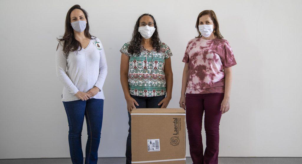 Campanha de Solidariedade do SINDIFES doa simulador de intubação para Faculdade de Medicina da UFMG para capacitação de estudantes e equipe de enfermagem do HC 1